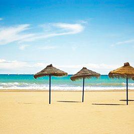 things to do in valencia-Beach-la-devesa