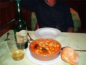 spanish-cuisine-fabada-asturiana